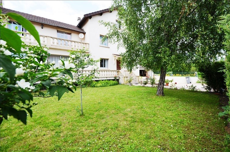 Sale house / villa Carrieres sur seine 705000€ - Picture 1
