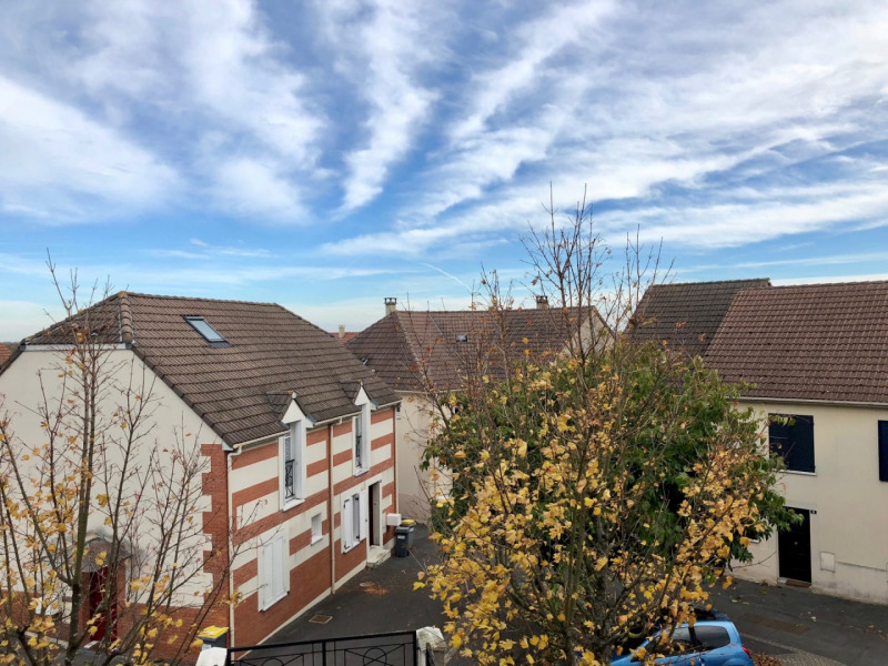 Sale apartment Longpont-sur-orge 179 000€ - Picture 1