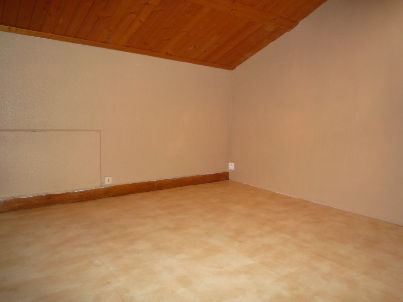 Location appartement Le chambon sur lignon 385€ CC - Photo 3