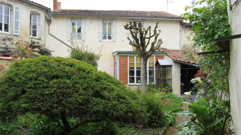 Vente maison / villa Saint-jean-d'angély 169600€ - Photo 1