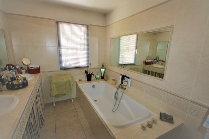 Vente de prestige maison / villa Jouques 595000€ - Photo 6