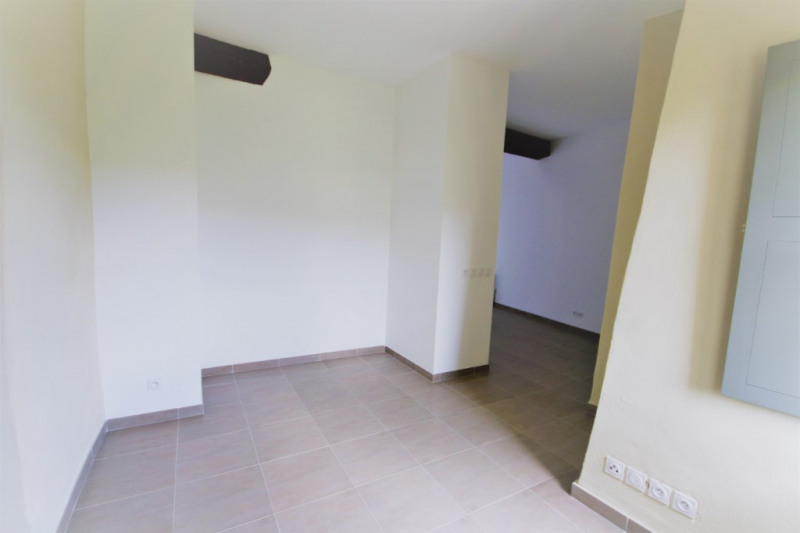 Location appartement Meyrargues 917€ CC - Photo 8
