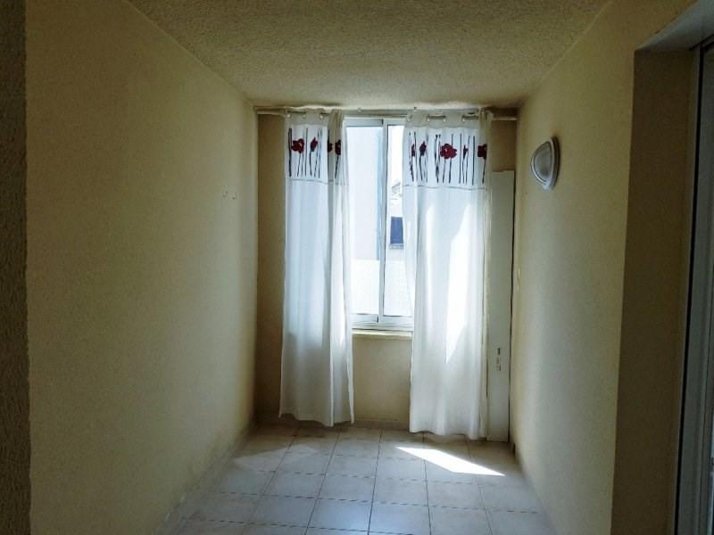 Rental apartment Rognonas 755€ CC - Picture 3