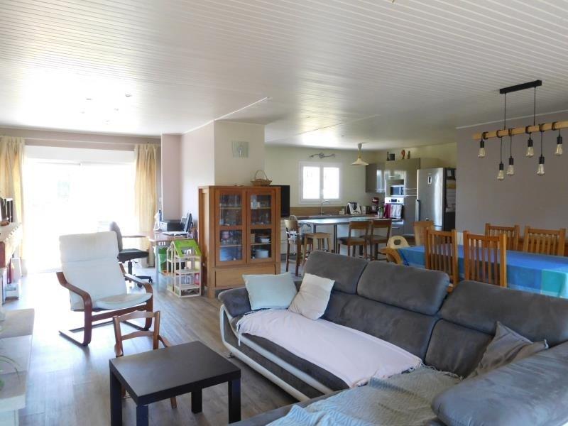 Sale house / villa Cezac 243800€ - Picture 2