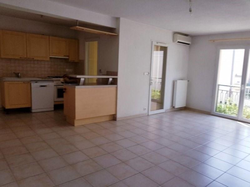 Rental apartment Rognonas 700€ CC - Picture 2