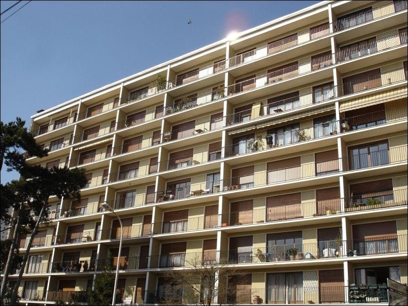 Rental apartment Juvisy sur orge 812€ CC - Picture 1