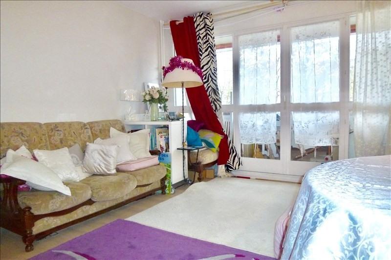 Sale apartment Plaisir 183750€ - Picture 2