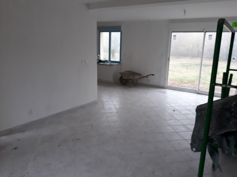 Location maison / villa Bomy 650€ CC - Photo 3