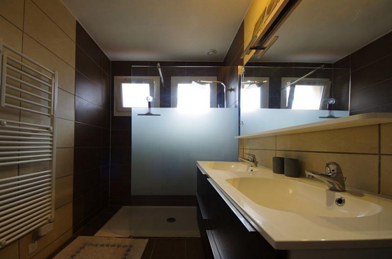 Vente maison / villa St genis des fontaines 245000€ - Photo 4
