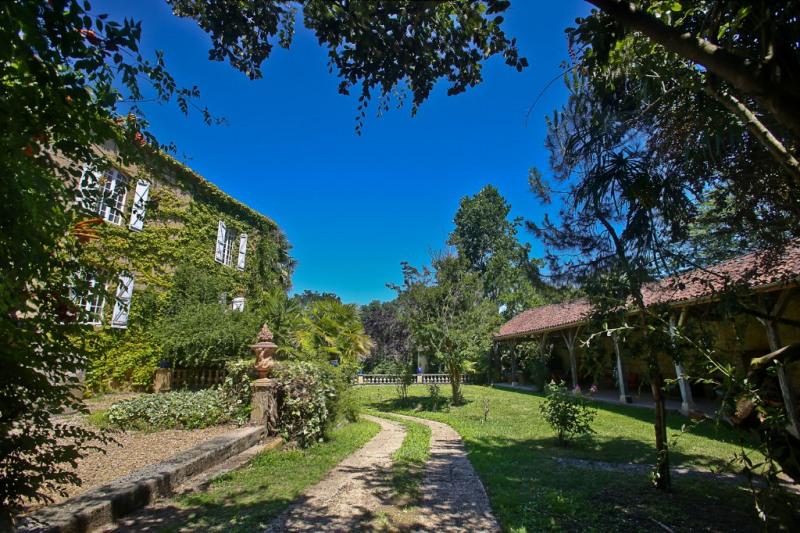 Sale house / villa Riscle 380000€ - Picture 1