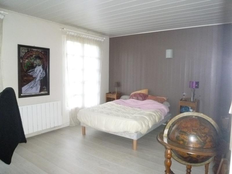 Sale house / villa St remy en rollat 196000€ - Picture 5
