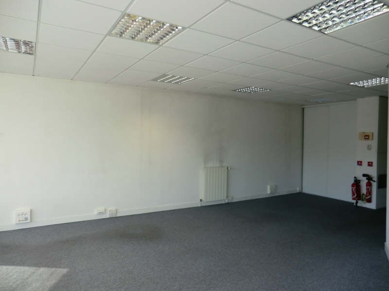 Sale office Lamorlaye secteur 315 000€ - Picture 2