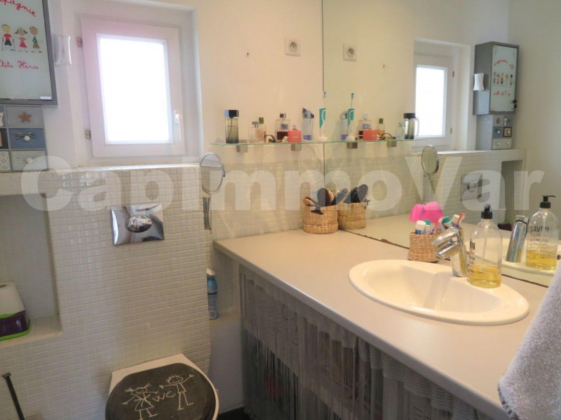 Sale apartment Le beausset 183 000€ - Picture 7