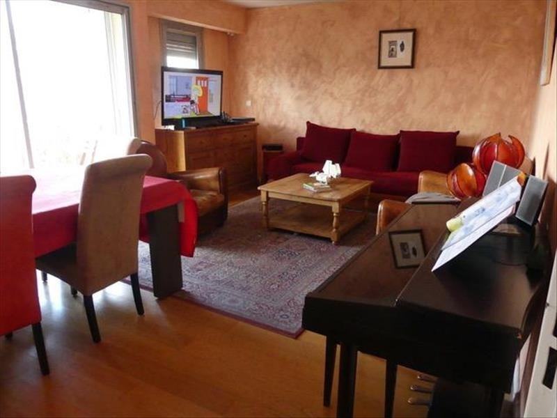 Sale apartment Courbevoie 589000€ - Picture 1