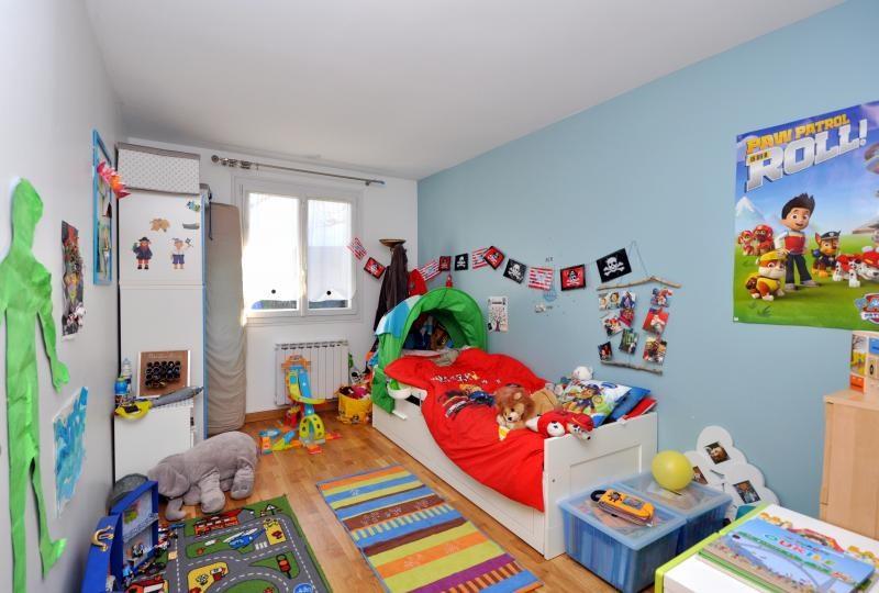 Sale house / villa Forges les bains 385000€ - Picture 7