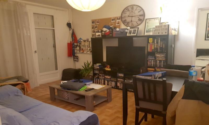 Rental apartment Les clayes sous bois 727€ CC - Picture 1