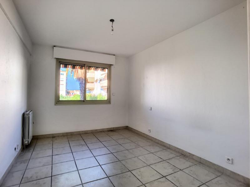 Sale apartment Saint laurent du var 349000€ - Picture 3