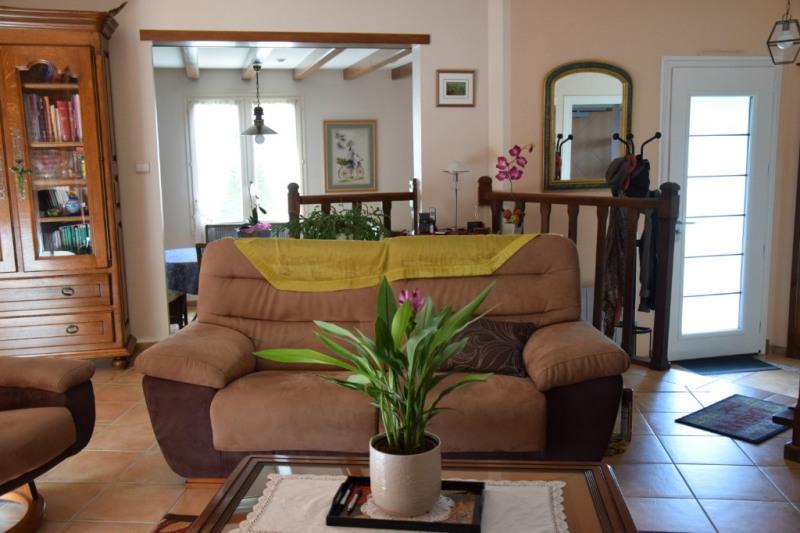 Sale house / villa Saint martin de bernegoue 225900€ - Picture 4
