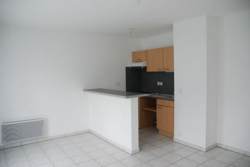 Rental apartment Verneuil d'avre et d'iton 355€ CC - Picture 1