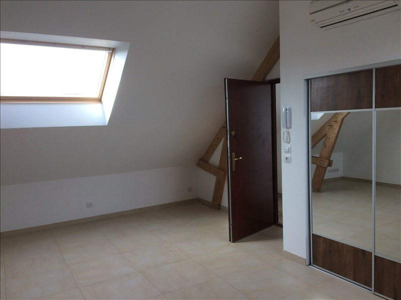 Rental apartment Noyant 380€ CC - Picture 3