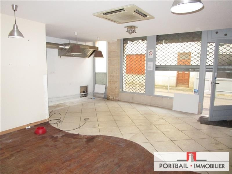 Location local commercial Blaye 480€ HT/HC - Photo 1