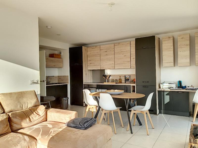 Sale apartment Saint laurent du var 389000€ - Picture 1
