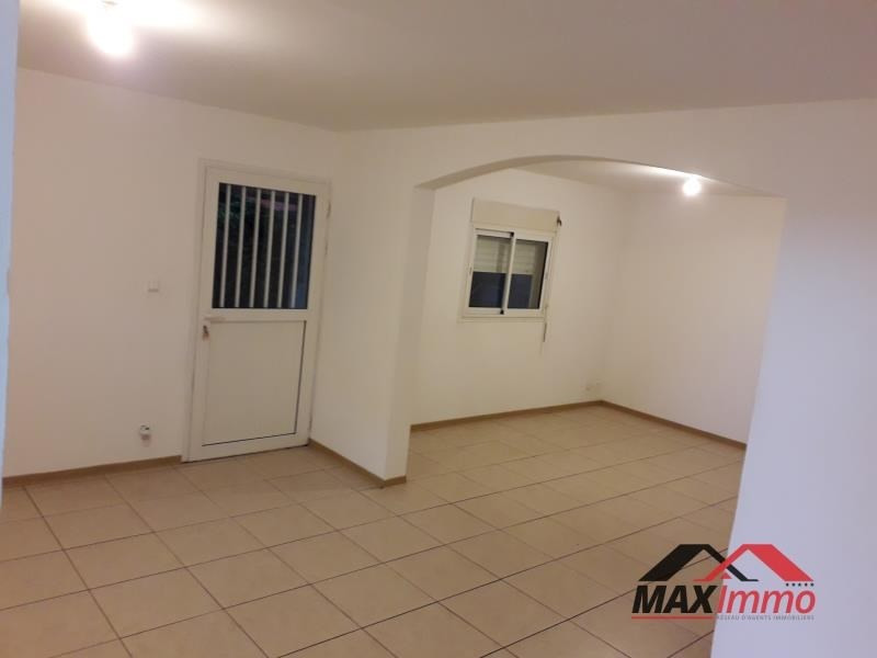 Location maison / villa St joseph 850€ CC - Photo 2