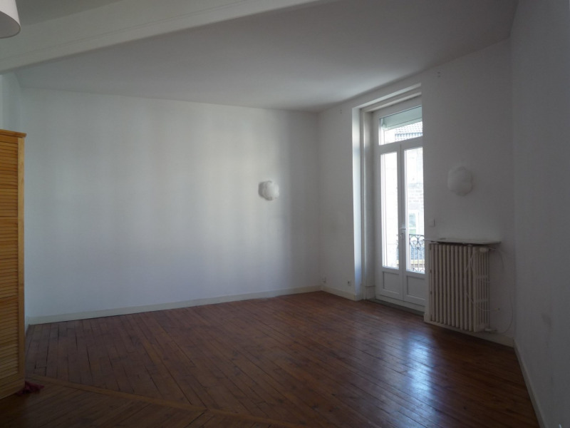 Rental apartment Le chambon sur lignon 380€ CC - Picture 1