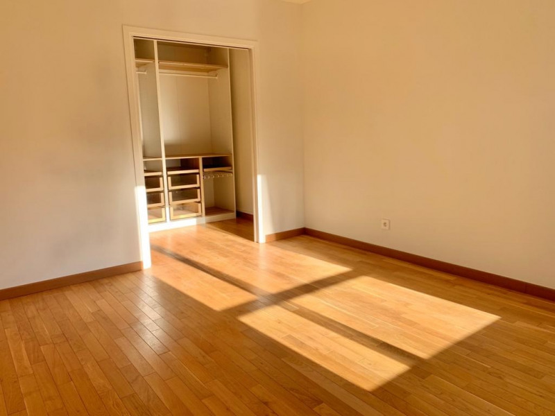 Location appartement Paris 16ème 3 420€ CC - Photo 7