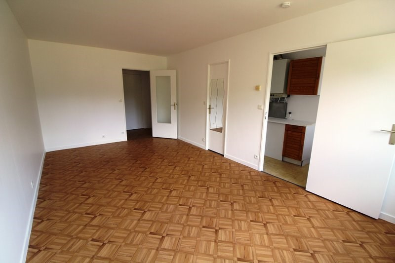 Rental apartment Maurepas 626€ CC - Picture 2
