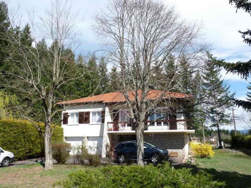 Sale house / villa Sainte-sigolene 229000€ - Picture 1