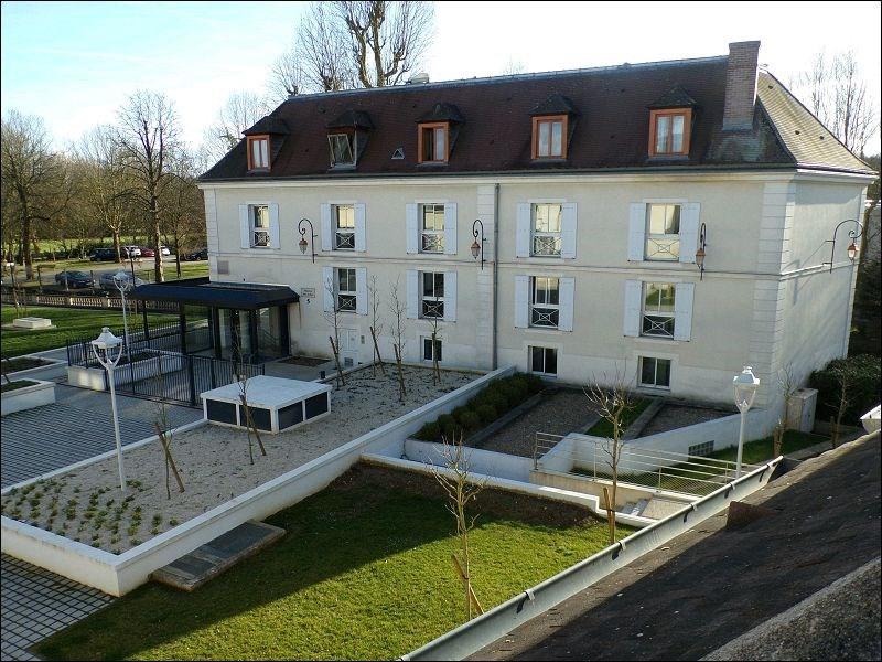 Rental apartment Crosne 789€ CC - Picture 1