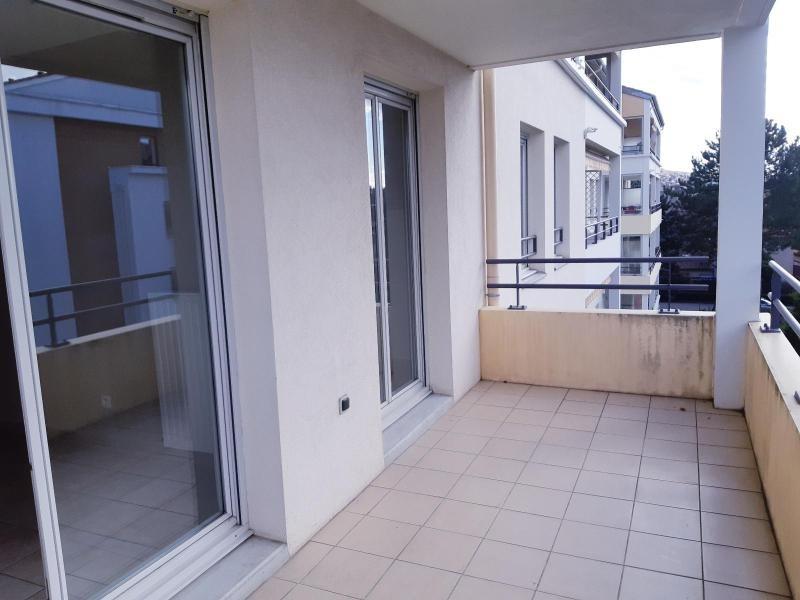 Location appartement Villefranche sur saone 729,92€ CC - Photo 9
