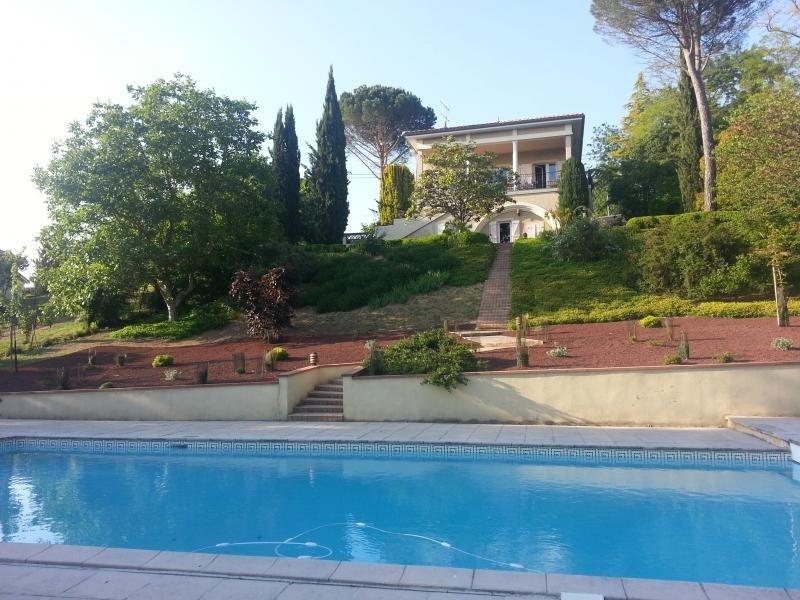 Sale house / villa L isle jourdain 499000€ - Picture 1