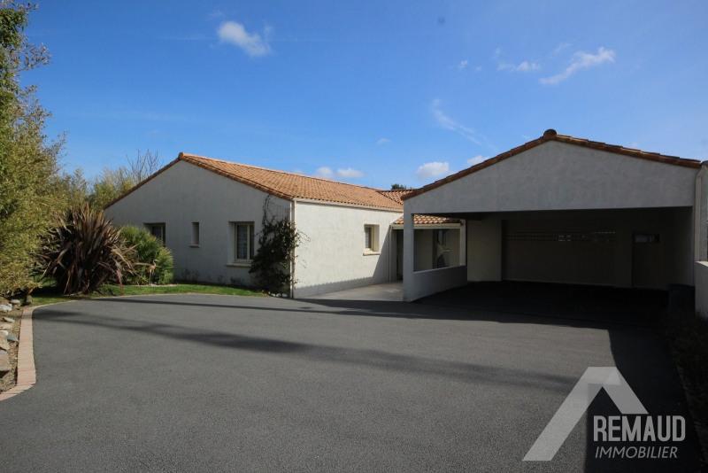 Sale house / villa Aizenay 380000€ - Picture 1