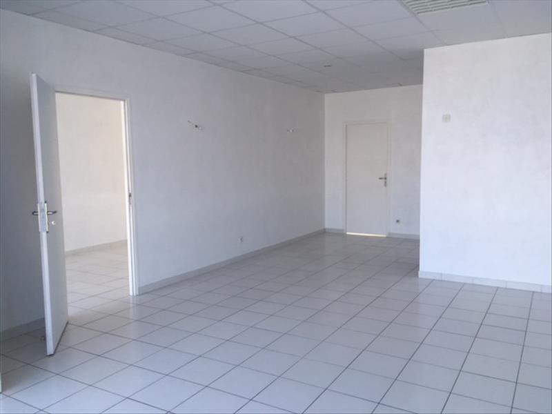 Rental empty room/storage Chateaubernard 700€ HT/HC - Picture 5