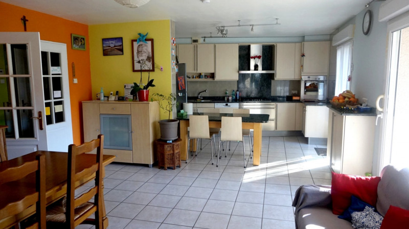 Sale apartment Valleiry 369000€ - Picture 2