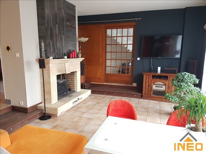 Vente maison / villa Montfort 365 750€ - Photo 3