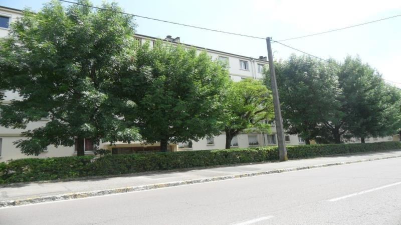 Rental apartment Pont sainte marie 587€ CC - Picture 1
