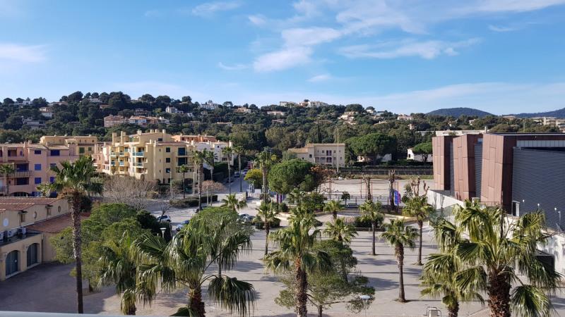 Rental apartment Cavalaire 1200€ CC - Picture 1