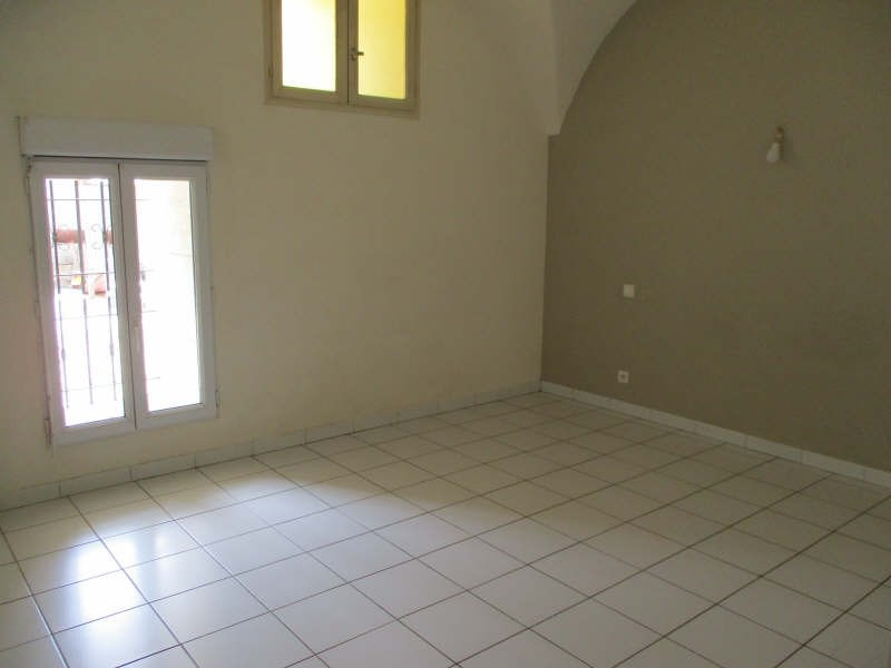 Location appartement Senas 830€ CC - Photo 10