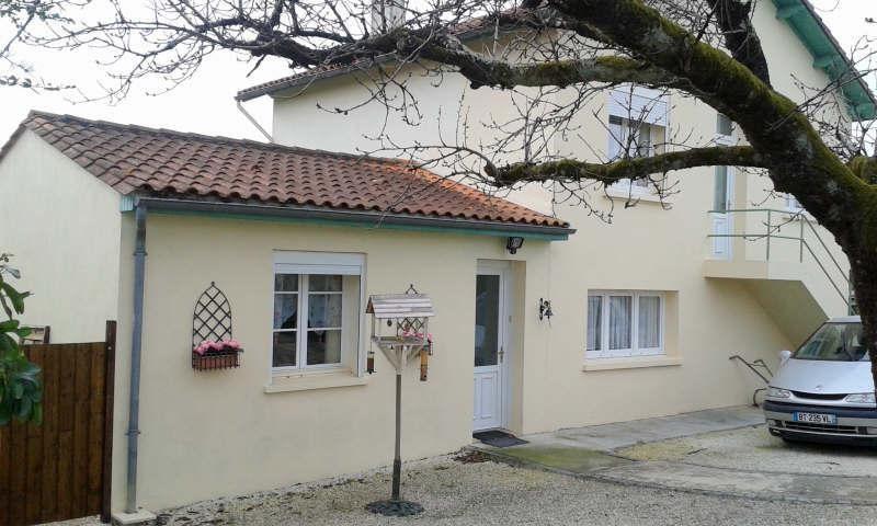 Sale house / villa Mansle 133000€ - Picture 1