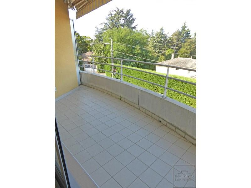Rental apartment Limonest 977€ CC - Picture 1
