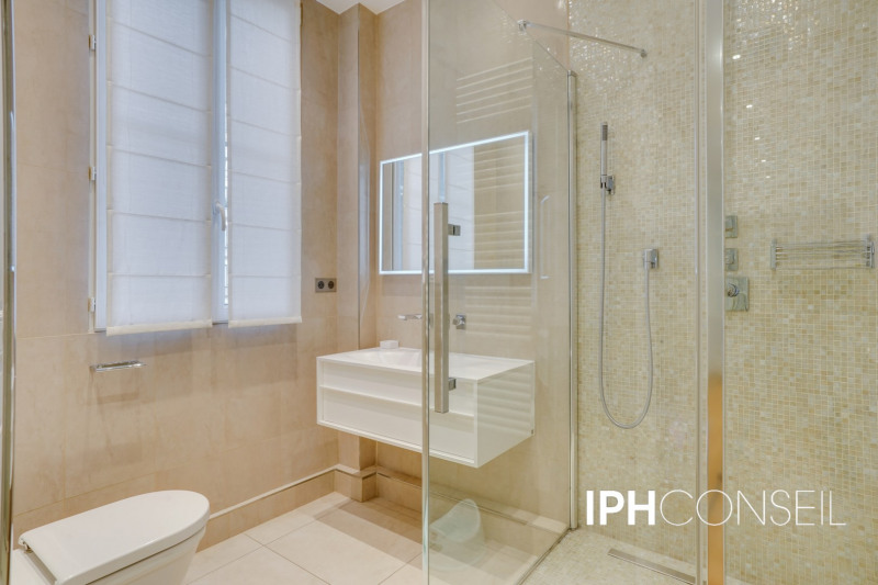 Deluxe sale apartment Neuilly-sur-seine 2200000€ - Picture 13