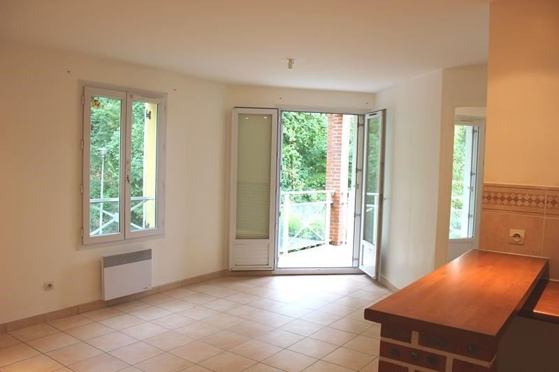 Location appartement Chennevieres sur marne 770€ CC - Photo 1