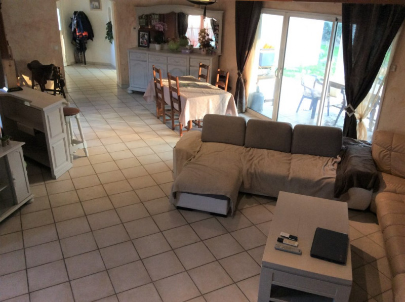 Sale house / villa Breuillet 397500€ - Picture 2