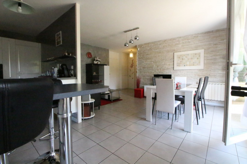 Sale apartment Fontaine 210000€ - Picture 6