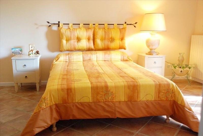Deluxe sale house / villa Grans 990000€ - Picture 6