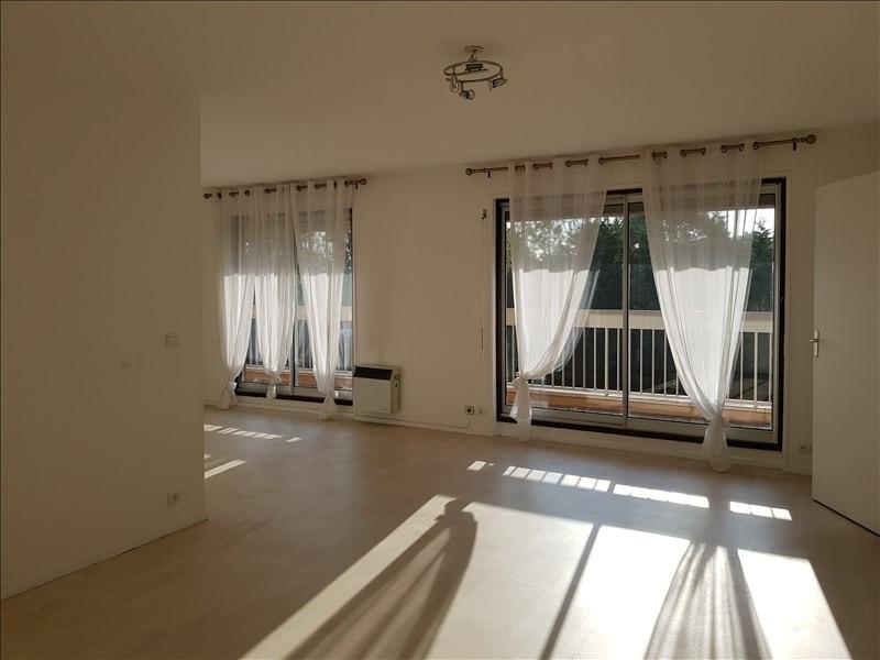 Rental apartment Verrieres le buisson 1390€ CC - Picture 3