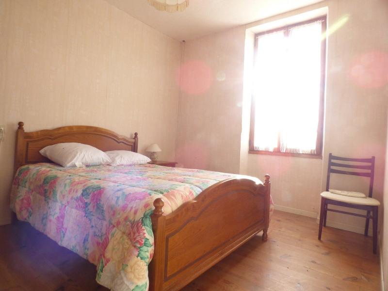 Sale house / villa Laplume 69900€ - Picture 3